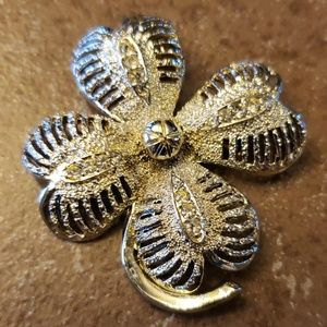 Jewelry - Silver four leaf clover brooch